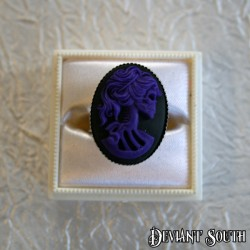 Deviant South Madame Squelette Cameo Silver Ring - Medium Cameo (25x18mm) - Black & Purple