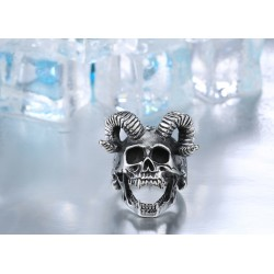 Stainless Steel Horned Skull Ring