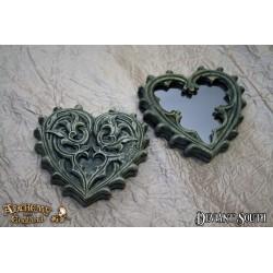 Alchemy Gothic V38 Gothic Heart Compact Mirror